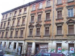Georg-Schwarz-Straße 69 und 71 werden denkmalgerecht saniert | Die Häuser GSS 69 und 71 werden saniert / Foto: Enrico Engelhardt