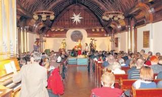 Olsenbande entert Diakonissenhaus-Kapelle  | Großer Auftritt  zum Neujahrsempfang in der Diakonissenhaus-Kapelle. / Foto: Uwe Schürmann