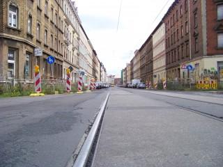 Aufteilung des Straßenraumes muss sich an städtebaulichen Zielen orientieren | Im Leutzscher Teil der GSS ist noch viel zu tun / Foto: Enrico Engelhardt