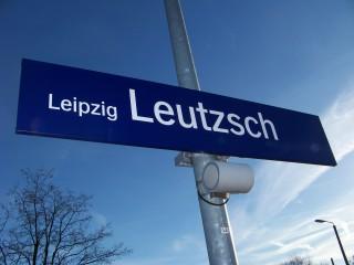 Arbeiten in Leutzsch - Bahn leitet um  | In Leutzsch finden Arbeiten für neue Oberleitungsmasten statt / Foto: Enrico Engelhardt