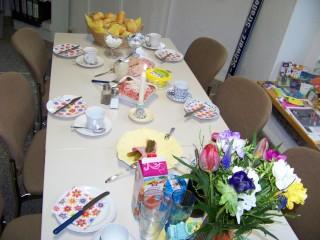 Drittes Bürgerfrühstück am 16. 04. 2014 im Stadtteilladen Leutzsch | So sah die Tafel zum zweiten Bürgerfrühstück aus / Foto: Enrico Engelhardt