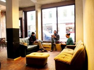 Selber-Lernen im Leipziger Westen: Autodidaktische Initiative eröffnet am 12. April ihre Räume | Das Plauder-Café der Autodidaktischen Initiative. / Foto: ADI