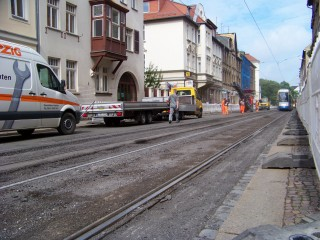 Am 19. Mai: Einschränkungen für Kfz-Verkehr wegen Gleisbauarbeiten in der Georg-Schwarz-Straße | Die Gleise in einem Leutzscher Teil der GSS werden ausgebessert / Foto: Enrico Engelhardt