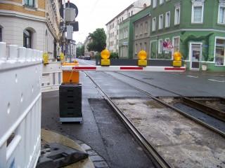 Ersatzbusse für Tram 7 im Einsatz wegen Gleisbau Georg-Schwarz-Straße | In der Georg-Schwarz-Straße wird am Wochenende an den Gleisen gebaut / Foto: Enrico Engelhardt