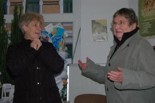 Kabarett-Frauen suchen Männer | Dagmar Vorpahl (links) während einer Kabarettszene mit Kollegin Helga / Foto: Enrico Engelhardt