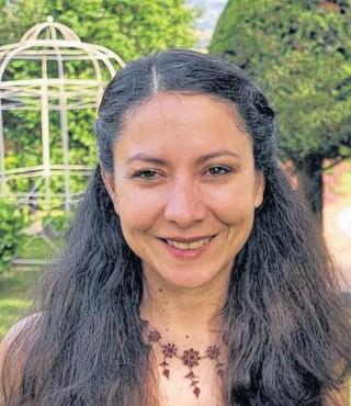 Internationaler Bildhauer-Treff - im Diakonissenkrankenhaus  | Eine der Organisatorinnen des Künstler-Symposiums: Helena Garcia Moreno / Foto: privat