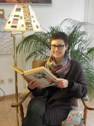 Märchenhaftes und Gruseliges im Herbst bei Tüpfelhausen | Magdalena freut sich auf ihre Vorlesestunden / Foto: Tüpfelhausen e. V.