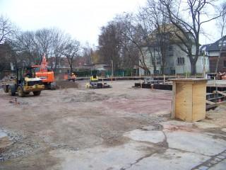 Kita-Bau mit Hindernissen in Leutzsch  | Auf dem Gelände der Rathenaustraße 5 wird seit kurzem gearbeitet. / Foto: Enrico Engelhardt