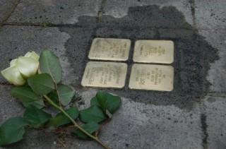 Zwei Stolpersteine für Dora und Michael Kohs | Bildrechte: Enrico Engelhardt