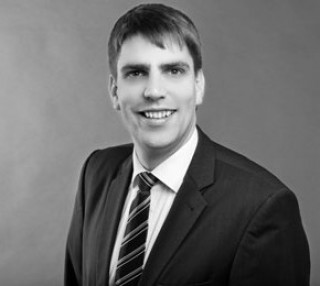 Bildinhalt: kritischer Vortrag über die Wohnungsmarktsituation in der ADI | Dirk Freitag