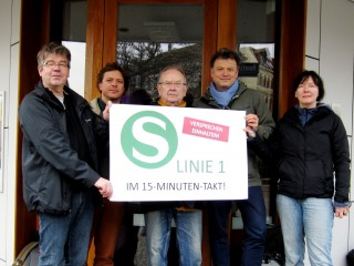 Bildinhalt: Stadtteilinitiativen fordern 15-Minuten-Takt für S1 nach Grünau | S1 am Bahnhof Leutzsch