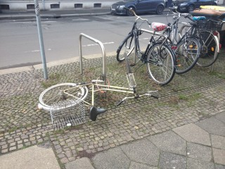 Bildinhalt: Herrenlose Räder im Stadtraum- Stadtordnungsdienst  |