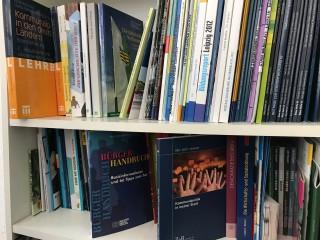 Bildinhalt: Bibliothek für bürgerschaftliches Engagement | Bibliothek für bürgerschaftliches Engagement
