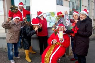 Bildinhalt: 7. Weihnachtskabarett im Stadtteilladen Leutzsch | Leutzscher und Lindenauer Nichtmehr-junge / Foto: Enrico Engelhardt