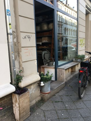 Arbeitsplatz in Werkstattraum  zu vermieten | Bild: Anja Baumgärtel