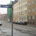 Zehn Jahre Vertrösten in Leutzsch: Linksfraktion fordert Bedarfsampel im Bereich der HS Pfingstweide | Pfingstweide, Haltestelle und Blick zum Einkaufscenter
