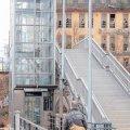 Kein Vorwärtskommen für Rollstuhlfahrer  | Ein unüberwindbares Hindernis für Gehbehinderte - ein defekter Aufzug / Foto: André Kempner